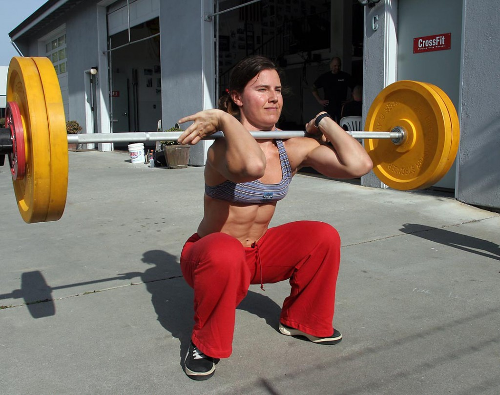 woman.crossfit.front.squat